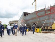 MinDefensa verificó el avance de la construcción del buque más grande y complejo que se hará en Colombia